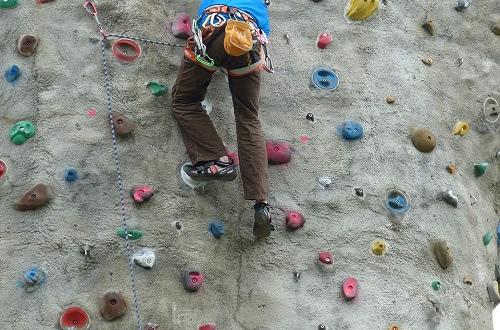 1_climbwall